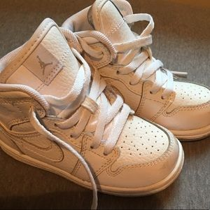 TODDLER SIZE 7T JORDANS